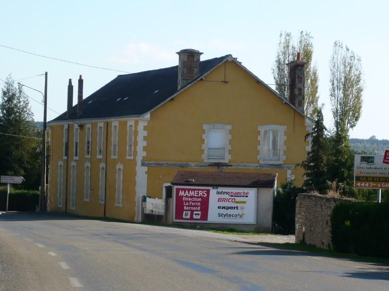Immeuble à vendre à NEUFCHATEL EN SAOSNOIS